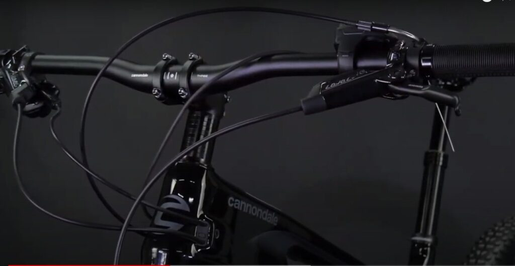 Messy cables on Cannondale mountain bike